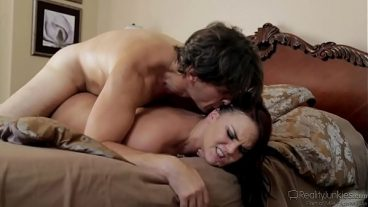 Mature woman is sucking dick