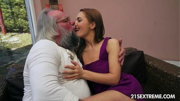 Old Man Fucked Young Girl